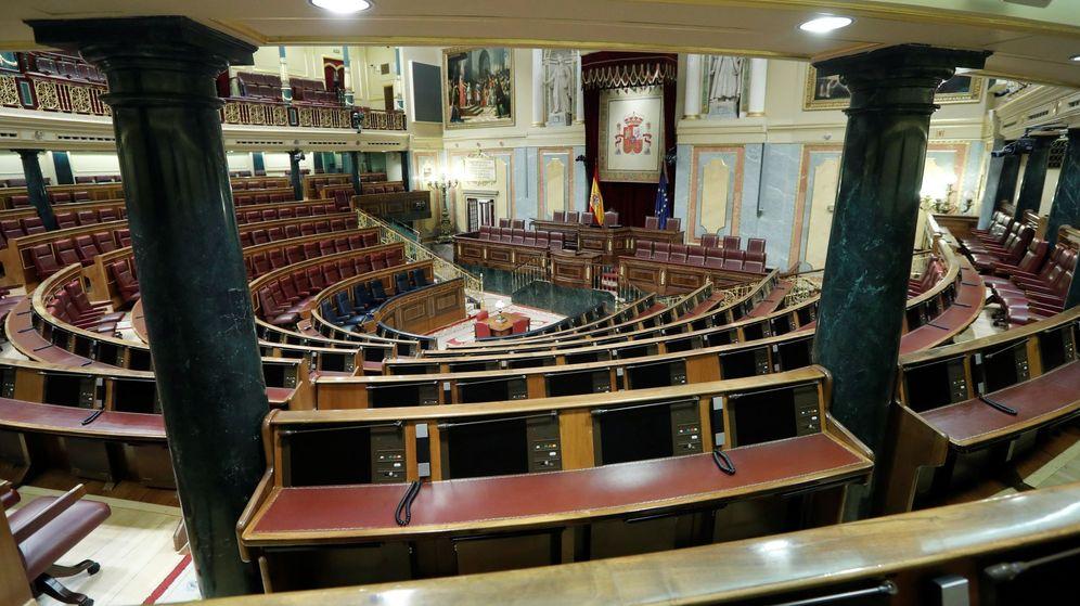 Foto: El Congreso reparte los escaños sin apoyo de PP y Cs y Vox en el gallinero