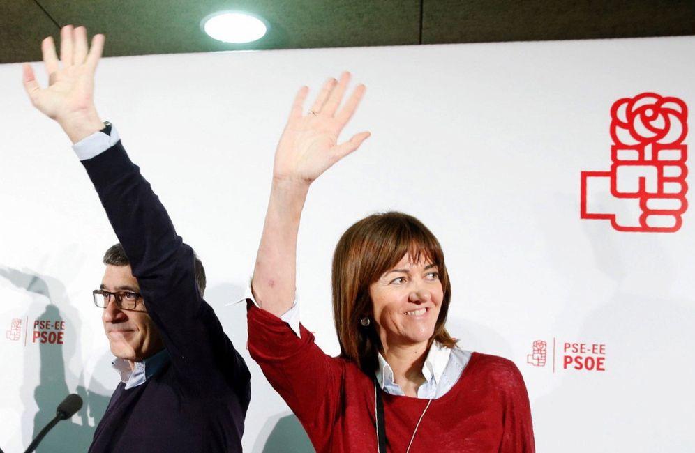 Foto: Patxi López y la líder del PSE, Idoia Mendia, el pasado 5 de marzo en el hotel Costa Vasca de San Sebastián. (EFE)