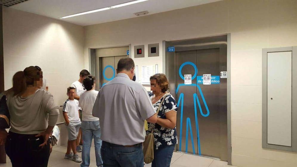 Foto: El ascensor donde presuntamente se lanzó el hombre fallecido. (A. P.)