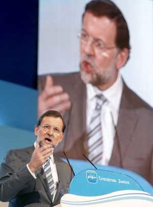 Rajoy entierra el aznarismo
