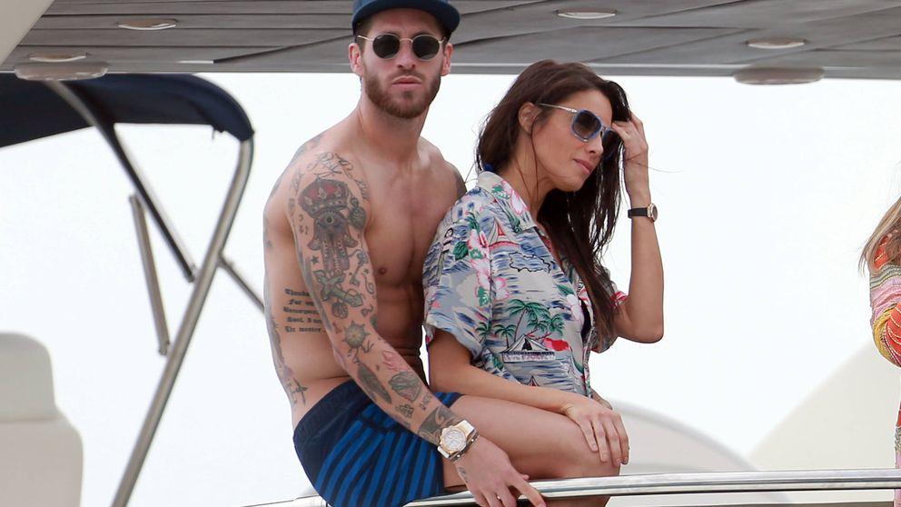 Los jugadores del Real Madrid y sus WAG disfrutan de las aguas de Ibiza