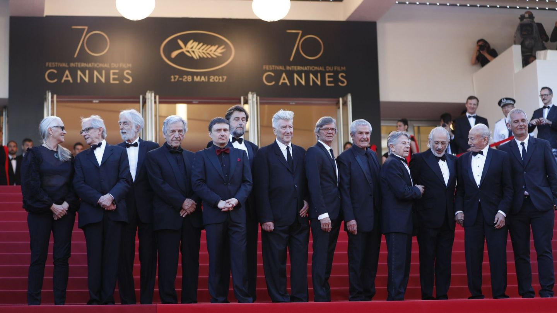 Algunos de los directores que han ganado la Palma de Oro, reunidos en Cannes en 2017. (EFE)