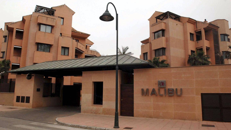 Apartamentos en Marbella construidos en el terreno recalificado de una parcela donde estaba el chalé 'Malibú' del actor Sean Connery. (EFE)