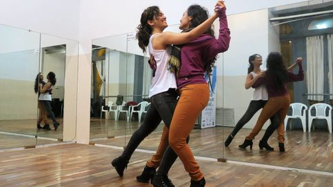 Tango entre mujeres y el inicio de la Feria de Abril: el día en fotos