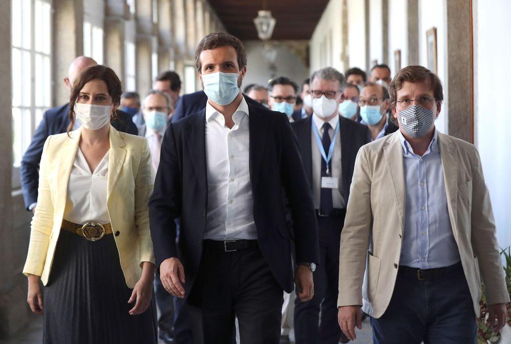 Foto: Díaz Ayuso, Casado y Martínez-Almeida. (EFE)