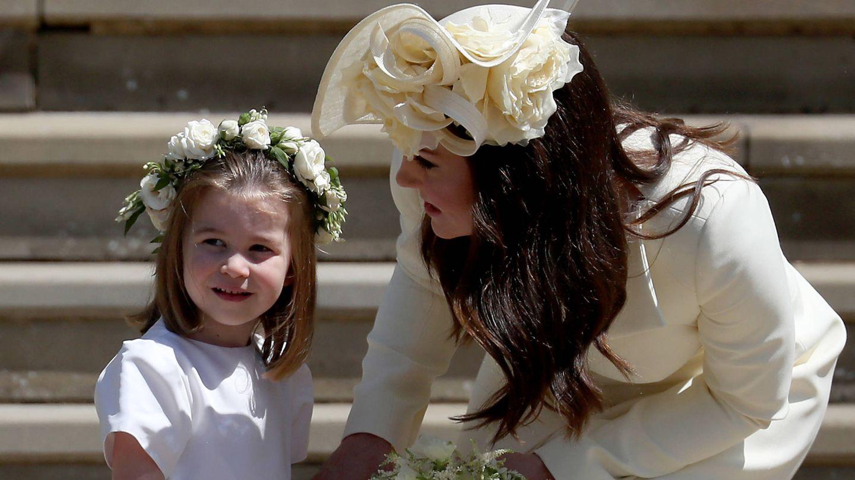 La princesa Charlotte y Kate Middleton, en la boda de Harry y Meghan. (Getty)