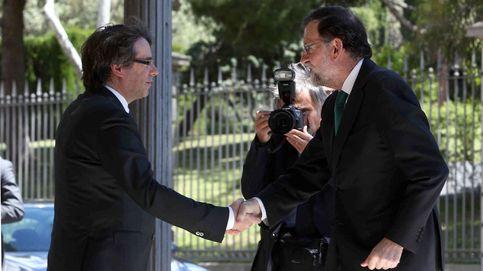 Rajoy asegura al PP que sabe lo que tiene que hacer en Cataluña y que lo hará