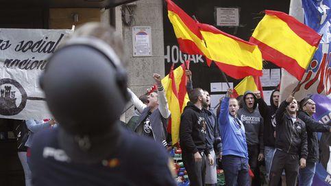 Desalojado un edificio okupado por neonazis en Madrid