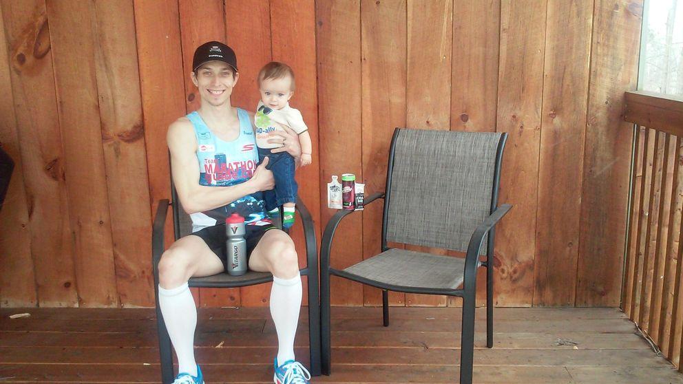 Ganar tres maratones en ocho días por el sueño de ver correr a su hijo