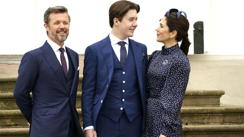 Christian de Dinamarca junto a sus padres. (EFE)