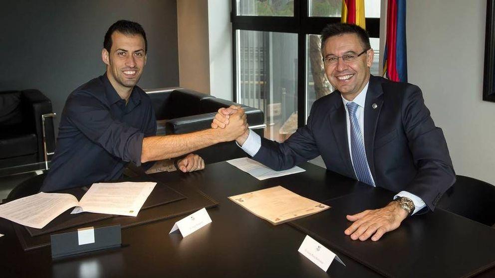 Busquets renueva hasta 2021 mientras Iniesta avisa que él espera su turno