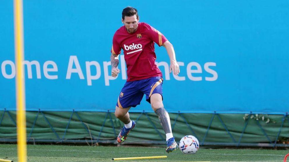 El infeliz Leo Messi, muy a su pesar, vuelve al redil del Barcelona y a entrenar