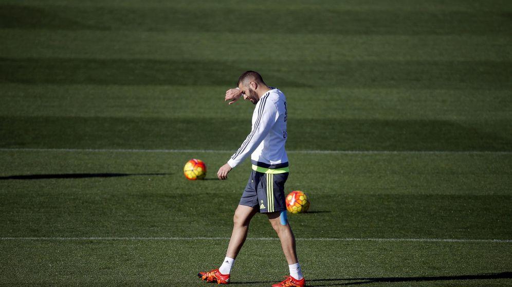 Foto: Benzema, durante un entrenamiento del Real Madrid. (EFE)