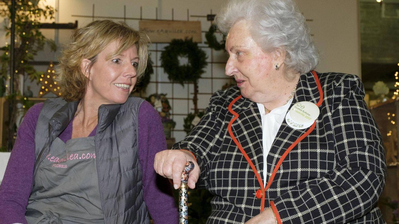 Doña Pilar, con la americana donada por Simoneta, en 2017. (Cordon Press)