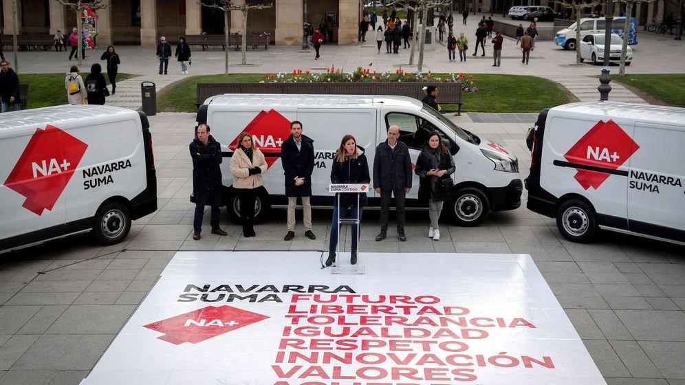 Foto: Imagen del comienzo de la campaña electoral del 28 de abril, donde aparece Navarra Suma. (EFE)