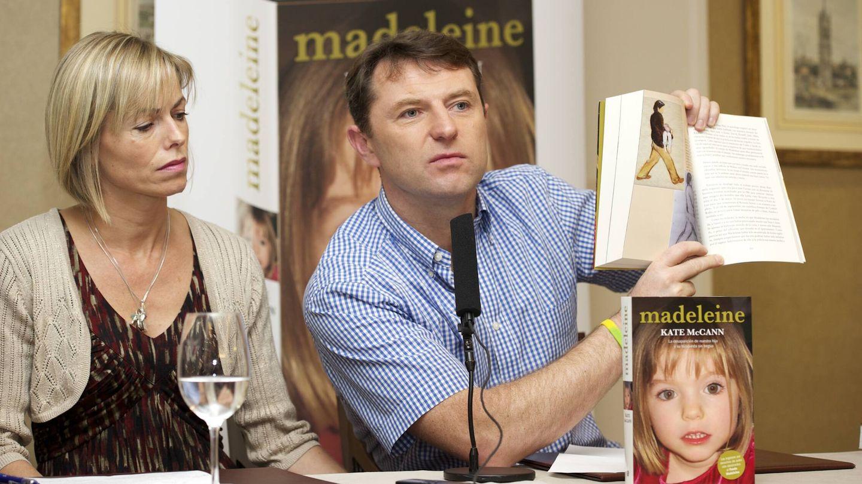 Los McCann, presentando el libro sobre su hija en Madrid. (Getty)