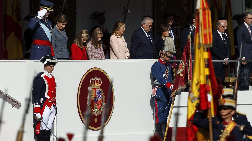 Foto: El Rey Felipe, presidiendo el desfile del Día de la Hispanidad. (Cordon Press)