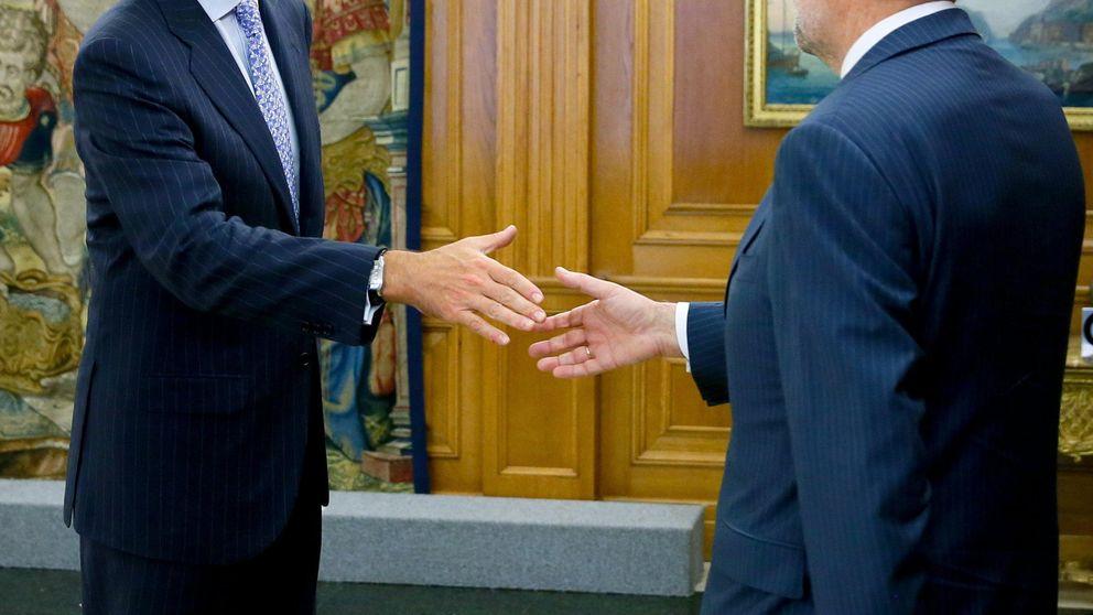 El Rey recibe a Rajoy en el palacio de Marivent para celebrar el despacho de verano