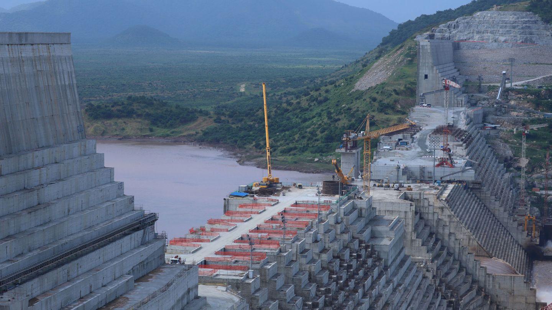 Así es la monumental construcción para contener el agua del Nilo. (Reuters)