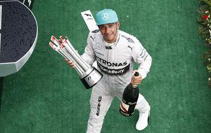 Hamilton gana, Mercedes da una paliza y Alonso, cuarto y gracias