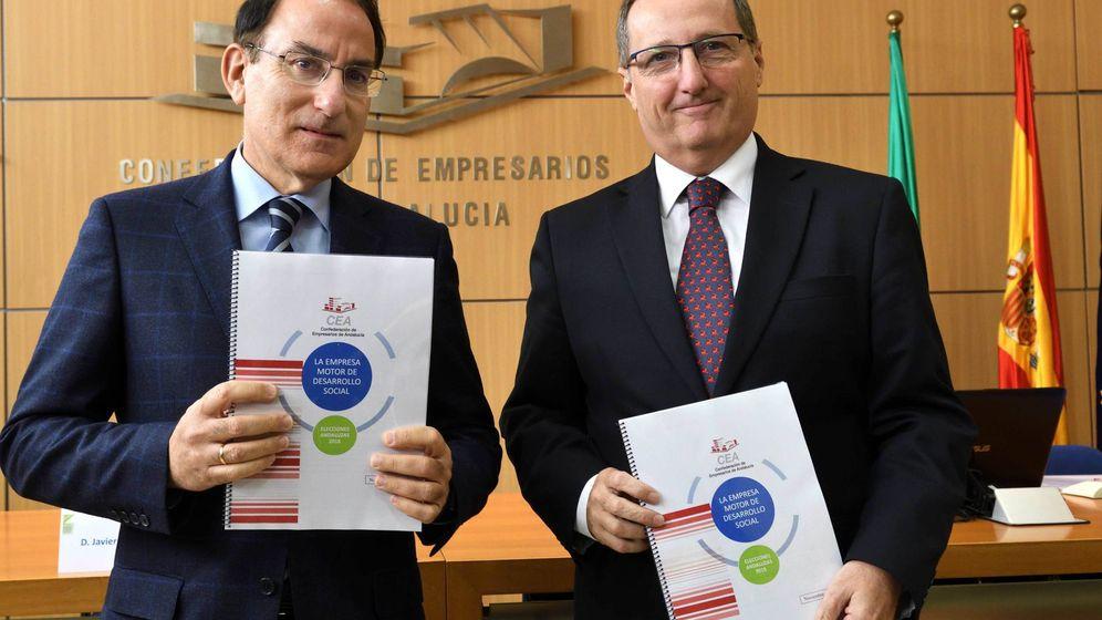 Foto: Javier González de Lara, presidente, y Luis Sánchez-Palacios, secretario general, en Sevilla. (CEA)