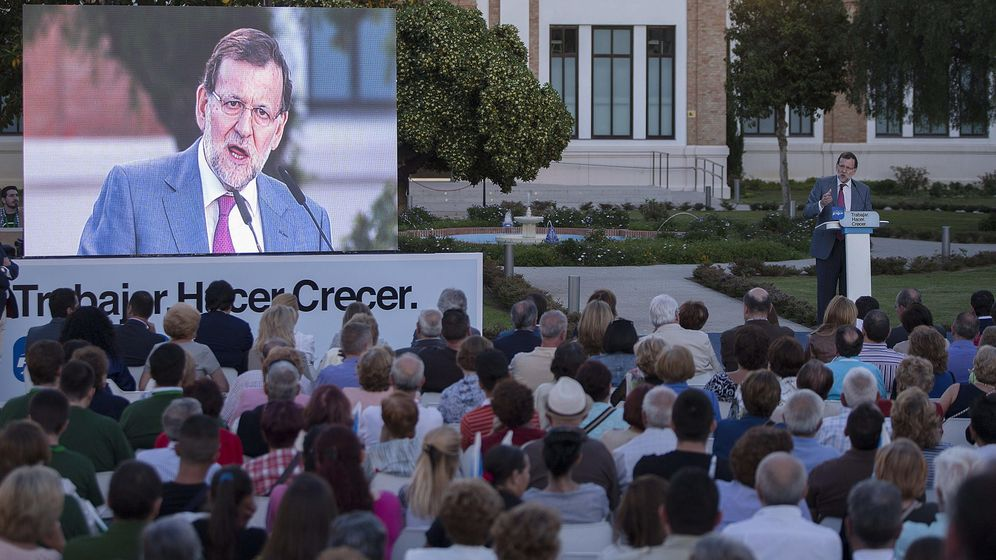 Foto: Rajoy, en un mitin en Málaga. (Efe)