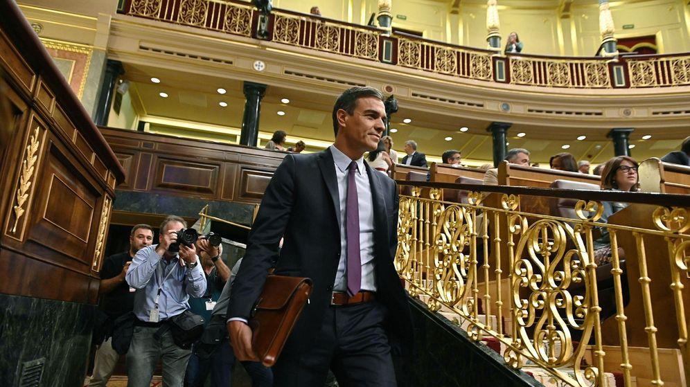 Foto: Pedro Sánchez, en el Congreso, durante el debate por el Open Arms. (EFE)