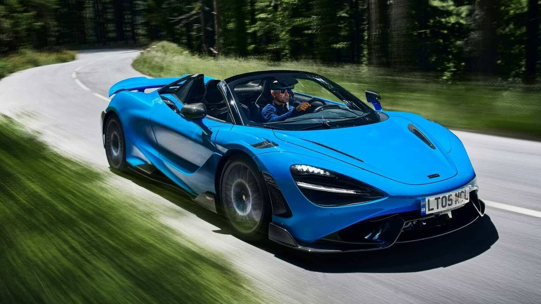 Potente motor V8, suspensión hidráulica y peso ligero para un descapotable de escándalo.