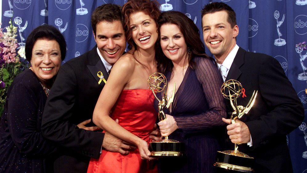 Foto: Shelley Morrison (I) junto a sus compañeros de reparto Eric McCormack, Debra Messing, Megan Mullally y Sean Hayes. (Reuters)