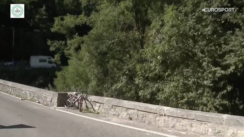 La bicicleta de Evenepoel, tras el accidente (Efe).
