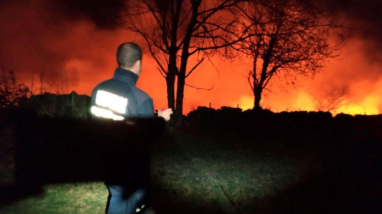Foto: Medio centenar de incendios ponen en alerta Cantabria