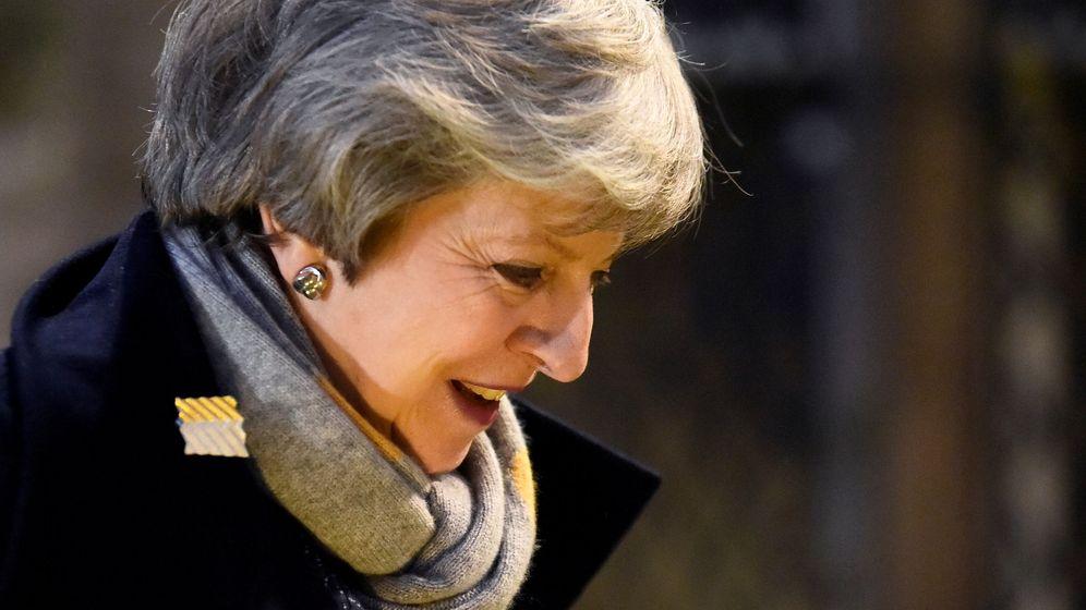 Foto: La primera ministra británica durante su visita a Irlanda del Norte. (Reuters)