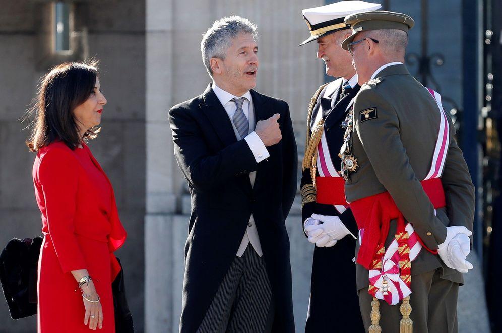 Foto: Los ministros de Defensa e Interior, Margarita Robles y Fernando Grande-Marlaska, el pasado 6 de enero en el Palacio Real, en la Pascua Militar. (EFE)