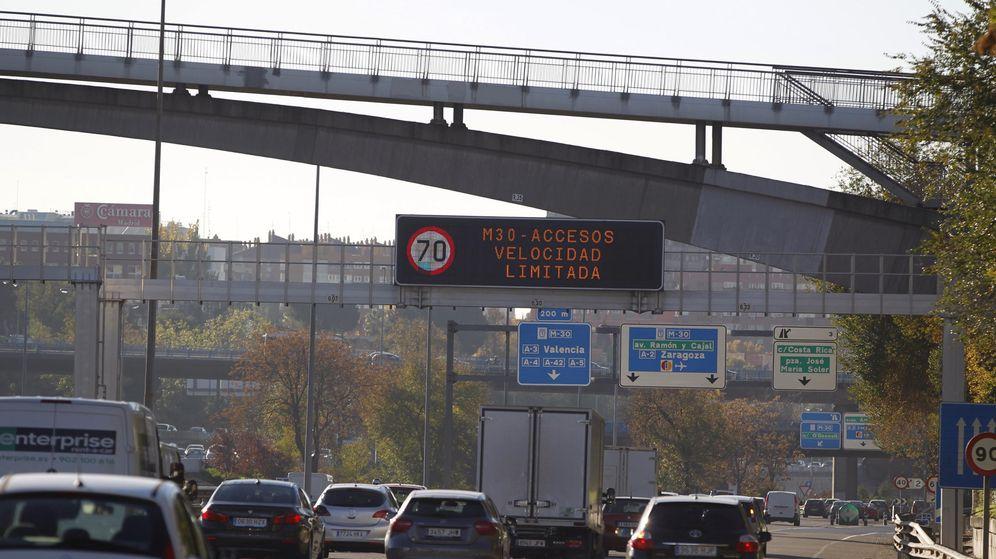 Foto: Segundo día de restricciones de tráfico en la ciudad de Madrid como respuesta a la alta contaminación. (EFE)
