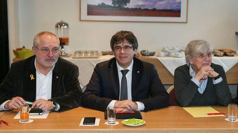 La guardia pretoriana de Puigdemont torpedea el pacto político en Cataluña