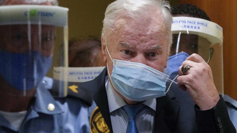 La Justicia internacional ratifica la cadena perpetua de Mladic por el genocidio de Srebrenica