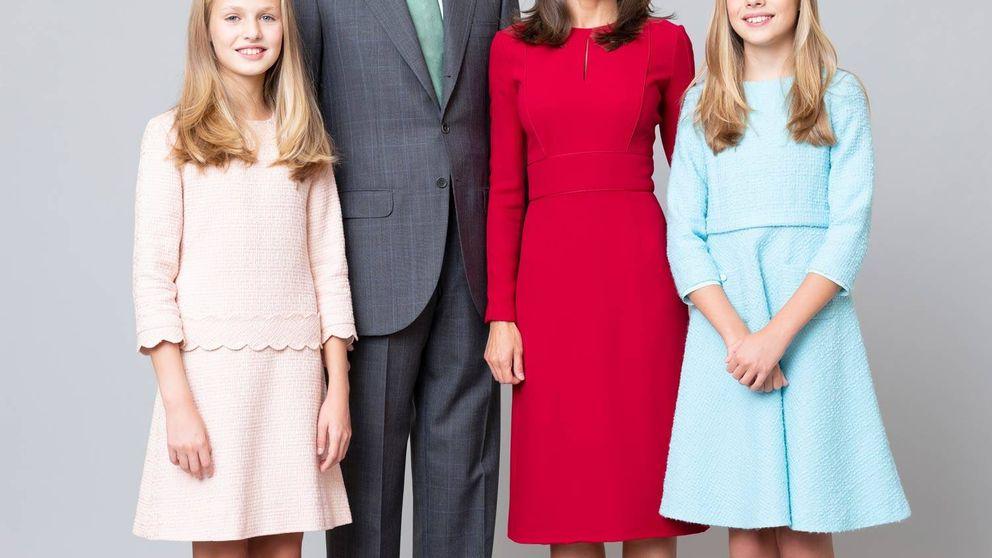Álbum: todas las fotos del posado oficial de los reyes Felipe y Letizia con Leonor y Sofía