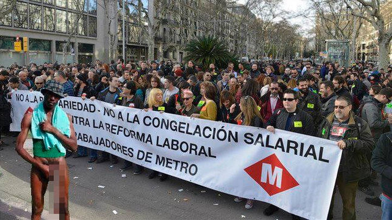 El 'meme', en una concentración por la equiparación salarial de los trabajadores de Metro. ¿Por qué?