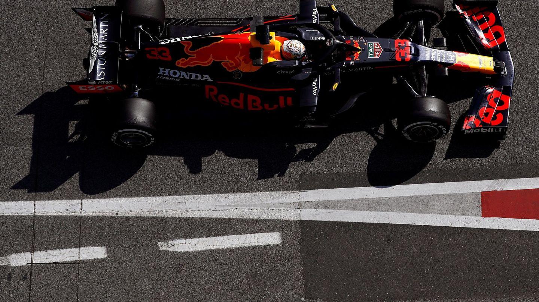 Mark Hughes cree que Red Bull será el principal rival de Mercedes esta temporada. (EFE)