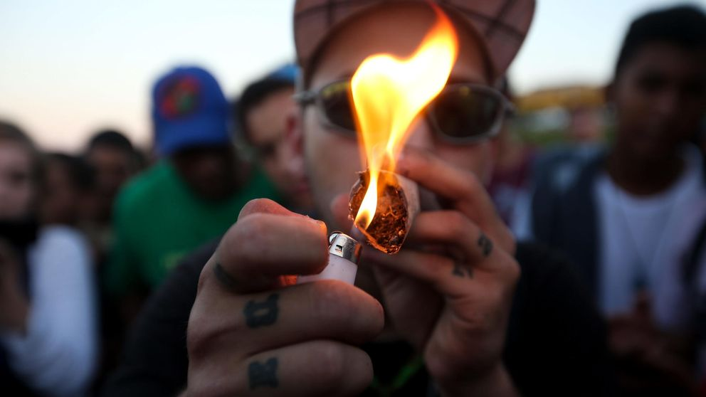 La marihuana es menos peligrosa que el alcohol, afirma un estudio
