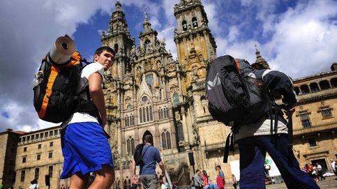 400 voluntarios velan por la salud de los peregrinos