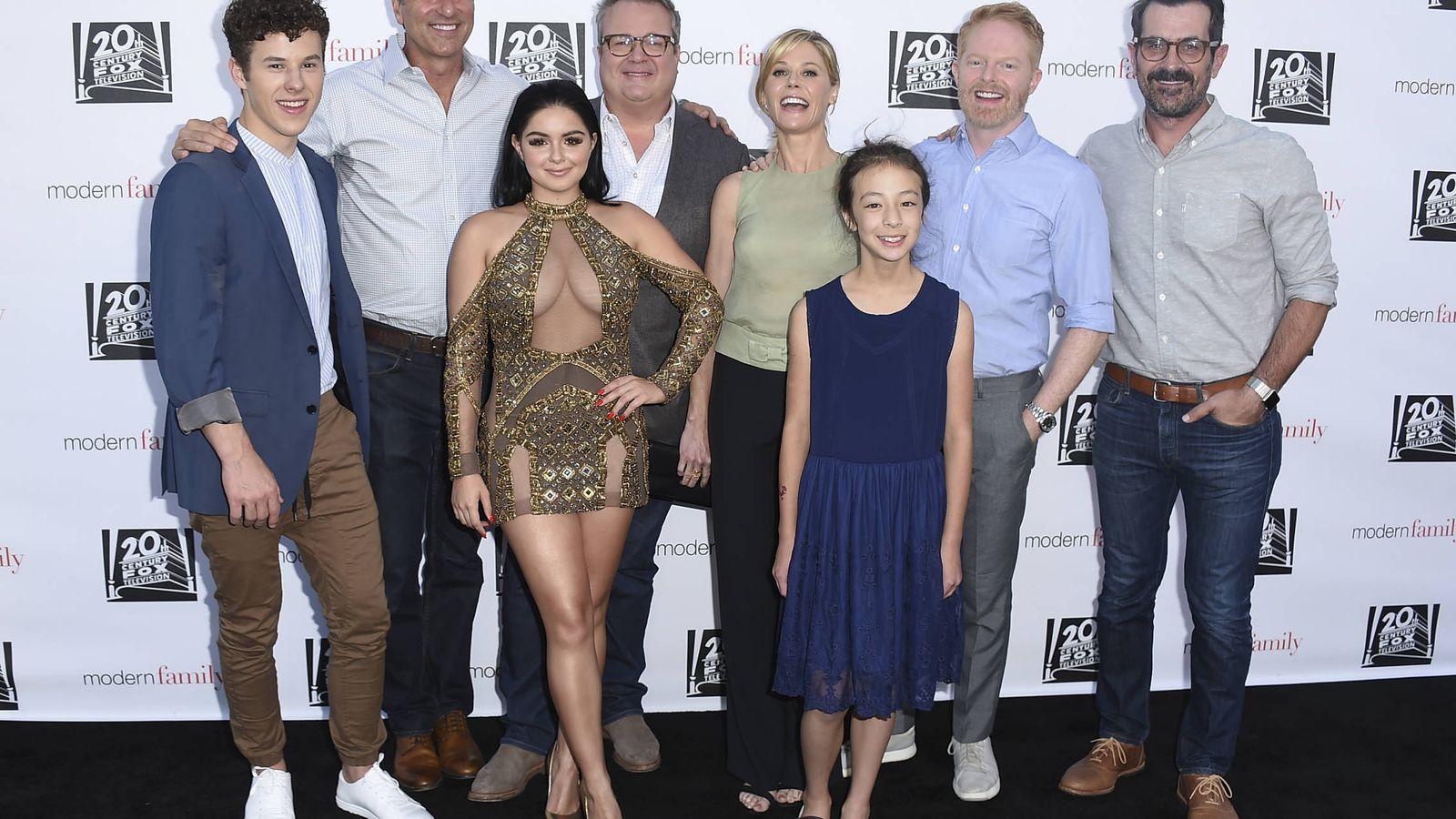Foto: Parte del elenco de 'Modenr family'. (Gtres)
