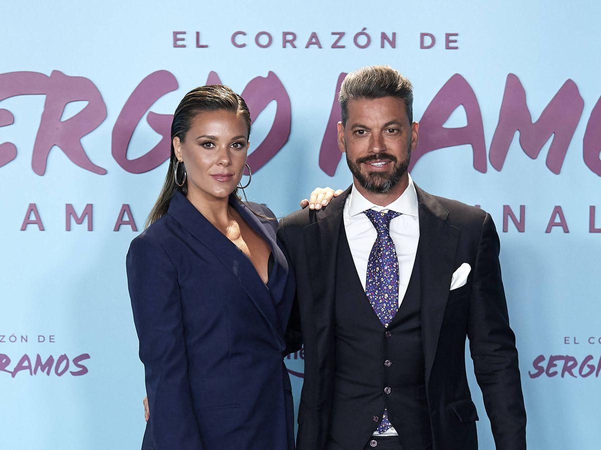 Foto: René con Lorena Gómez, en el estreno del documental de Sergio Ramos. (Getty)