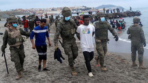 España devuelve a 2.700 inmigrantes y avisa que será beligerante defendiendo la frontera