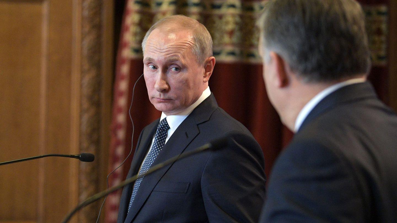 Vladimir Putin consiguió un anillo de campeón de una forma muy sospechosa (EFE)