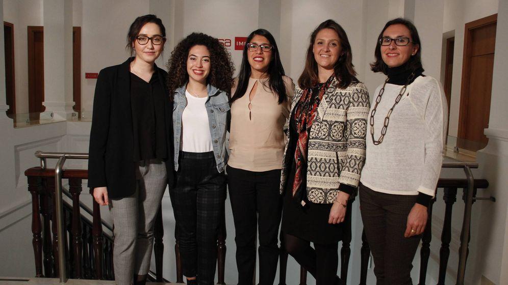 Foto: María Ayuso, Marta Hernández, Angélica Malavé, Pilar Mérida-Nicolich y Rocío López. (Santiago Vinagrero)