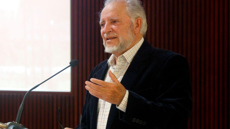 Julio Anguita durante la entrega del Premio Internacional de Periodismo 'Julio Anguita Parrado'. (EFE)