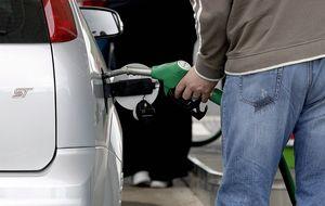 La gasolina y el gasóleo tocan mínimos desde el año 2011