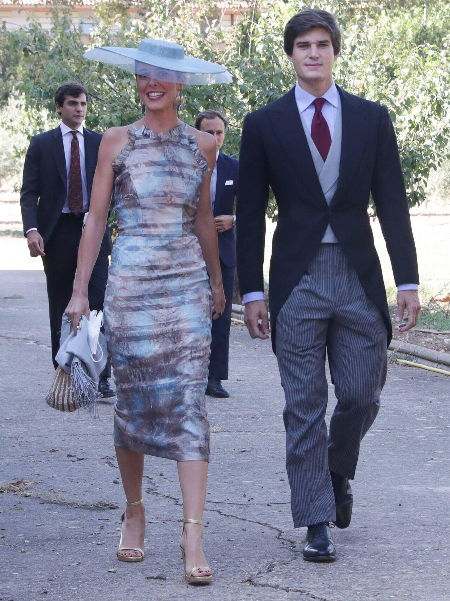 Belén Corsini y Carlos Fitz-James Stuar en la boda de María Corsini. (Gtres)