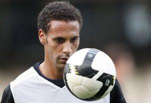 Ferdinand considera que la FIFA no es severa con el racismo